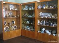 Музей меблів та порцеляни