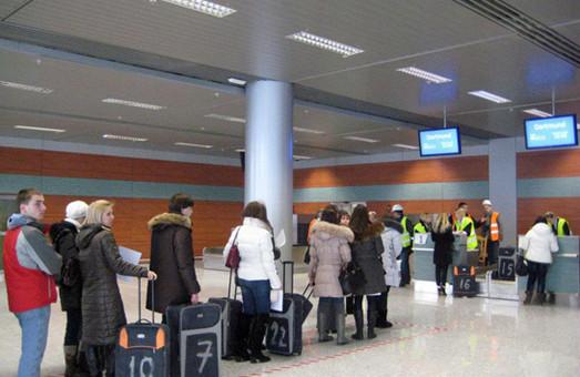 У львівському аеропорту, площею майже 40 тисяч квадратних метрів, немає де розмістити камери схову