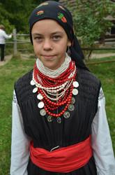 Дівчина в святковому одязі Поділля