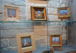На виставці «Львівські мініатюри» презентували розписи на шовку та гарячою емаллю