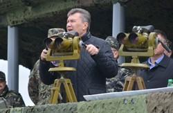Хизуючись перед Януковичем, військові мало не підірвали село