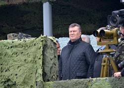 Після стрільб на полігоні Янукович затинався у словах та говорив про реформування армії