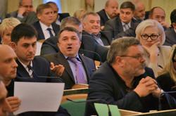 Сланець і сльози Львівської облради. Депутати все ж дозволили «Шеврону» видобувати сланцевий газ