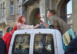 У Львові пройшов карнавал велетнів, купідонів та клоунів