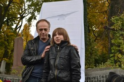 Лідер  «Братів Гадюкіних» отримав  пам'ятник-дзеркало