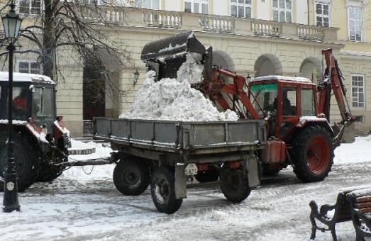 Львів ризикує знову загрузнути в заметах через саботаж Держказначейства