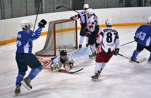 «Леви» знов програли в хокей