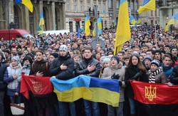 Студенти пікетують управління міліції Львівщини (ФОТОРЕПОРТАЖ)