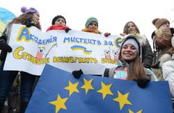 Львівський Євромайдан у переддень вирішення долі асоціації з ЄС (ФОТОРЕПОРТАЖ)