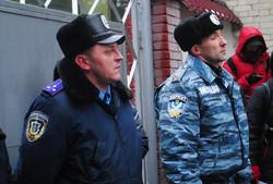 У Львові жінки молитвою просили «Беркут» не застосовувати силу проти народу (ФОТО)