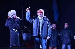 В ніч на Андрія на львівському Євромайдані влаштували політичні вечорниці (ФОТО, ВІДЕО)