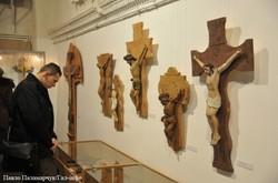"""У Львові відкрили виставку """"Знамення і образи віри"""""""