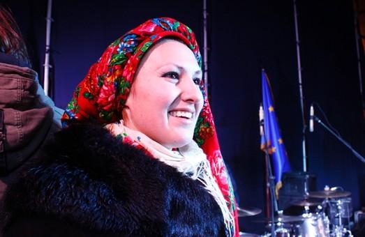 На Євромайдані маємо розрізняти політику і партійні сили, - Софія Федина