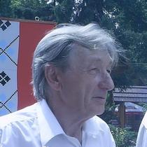 Володимир Пасічник, письменник, громадський діяч, засновник пам'ятного знаку у Харкові на честь проголошення Незалежності України