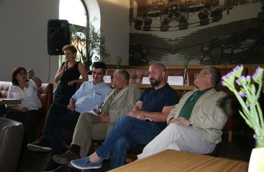 «Чи можна продавати їжу і культуру?». Дискусія про майбутнє європейського Львова