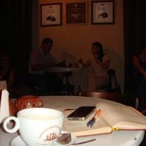 Книга з шоколадом: «Літературні бомбардування» у Львівській Майстерні шоколаду