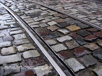 Розкрадання історії. Винахідливі львівські злодії крадуть бруківку посеред білого дня