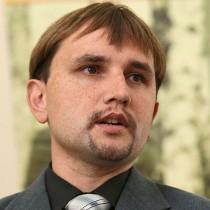 На конгресі СКУ Володимир В'ятрович  доповів про стан досліджень Голодомору