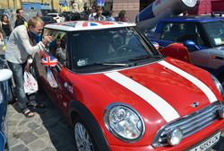 День Незалежності у Львові: глушина, профанація і кришнаїти з бубном