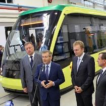 Трамвай виготовлений на замовлення Львова вже катається по місту, а мер за нього розрахувався лише подякою