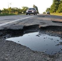 Уряд додав львівським чиновникам одвічних проблем з місцевими дорогами
