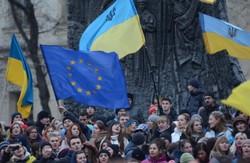 Львівські євромайданівці просять київських  надіслати арбітра і розсудити їх з політиками