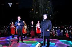 П. Порошенко профінансував встановлення євроялинки на Левандівці