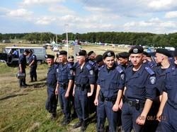 У Львові люди заблокували виїзд частини внутрішніх військ на Київ  (ПРЯМА ТРАНСЛЯЦІЯ)