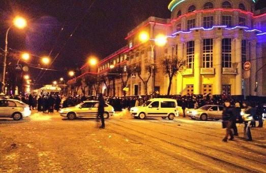 Вінниця повстала: блокована обласна адміністрація, рух по всій центральній частині  міста майже зупинився