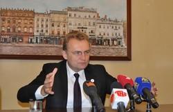 Андрій Садовий подякував львівським лікарям, які прийняли поранених з Києва