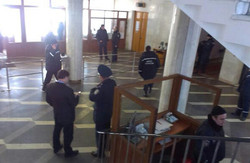Житомир: обласна адміністрація ще не захоплена, але губернатора вже шукають