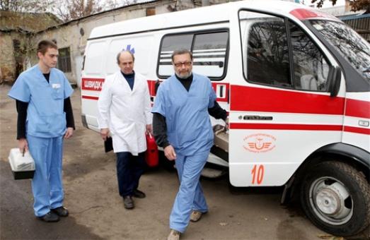 До львівських лікарень продовжують доправляти постраждалих з київського Майдану