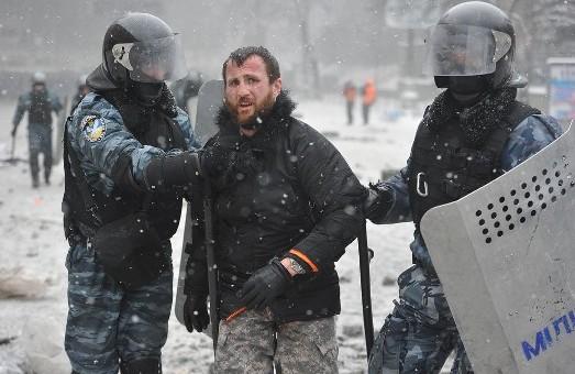 """Мар'ян Гаврилів, побитий  """"беркутівцями"""" : """"Звертаюсь до всіх громадян України ..."""