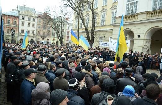 Львів провів попереджувальний страйк. Далі погрожує перейти до «справжній дій»