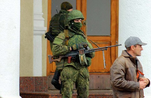 Сімферополь, аеропорт, ці хвилини:  балакучий Жириновський прилетів до німих кулеметників
