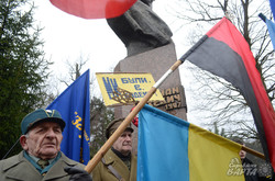 На Львівщині вшанували пам'ять Романа Шухевича (ФОТО)