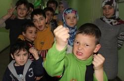 Біженці з Криму шукають роботу та приймають українське громадянство