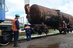 Надзвичайники провели навчання з гасіння пожежі на станції Львів (ФОТО)