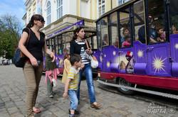 До Дня захисту дітей у Львові для маленьких кримчан влаштували свято (ФОТО)