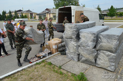 Учасники Leopolis Grand Prix передали військовим зібрану допомогу (ФОТО)