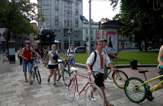 Велосипедисти Львова організували акцію протесту (ФОТО)