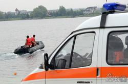 На Львівщині рятувальники провели показові навчання з порятунку потопаючих (ФОТО)