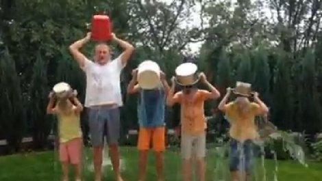 Андрій Садовий приєднався до Ice Bucket (ФОТО)