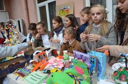 Львівські школярі провели благодійний ярмарок для поранених в АТО (ФОТО)