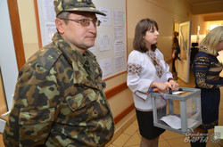 Голосування у Військово-медичному клінічному центрі Західного регіону (ФОТО)