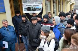У Львові вимагали відміни мита на ввіз автомобілів для потреб АТО (ФОТО)
