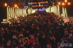 У Львові засвітили головну новорічну ялинку міста (ФОТО)