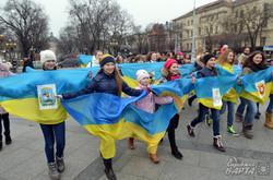 У Львові діти влаштували танцювальний флешмоб «Єдина Країна» (ФОТО)