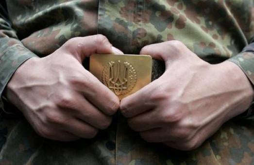 У Львові вручають повістки військовозобов`язаним просто посеред дороги