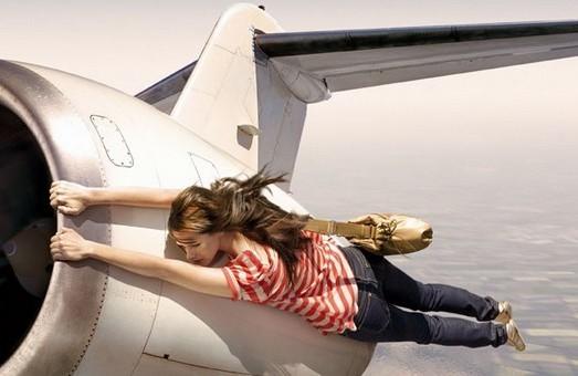 Через курс валют ціни на авіаквитки злетіли до небес
